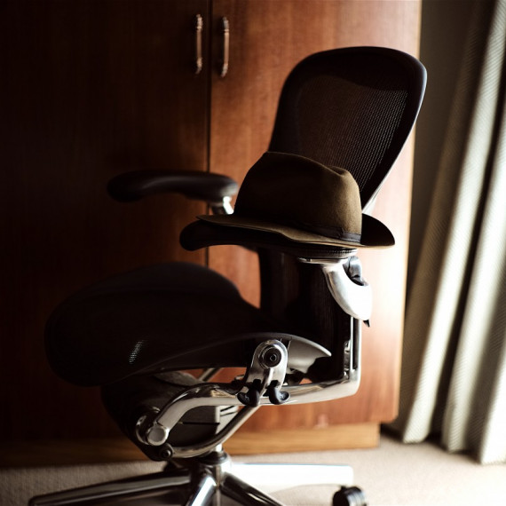 座りっぱなし、Herman Miller Aeron Chair